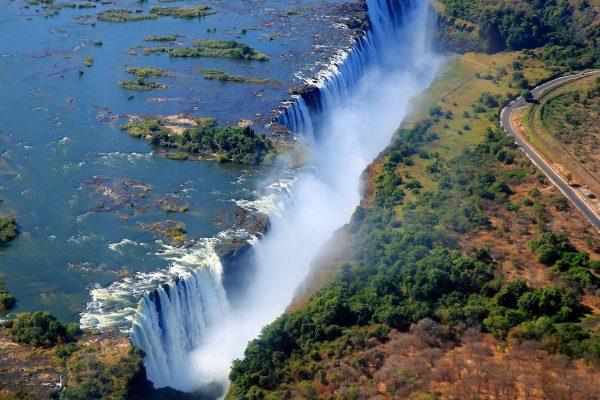 Africa_Botswana_Cataratas-Victoria_Mosi-Oa-Tunya_Rio-Zambezi