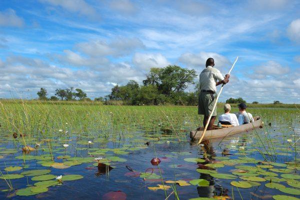 Africa_Botswana_Delta-Okavango_Mokoro_Canoa