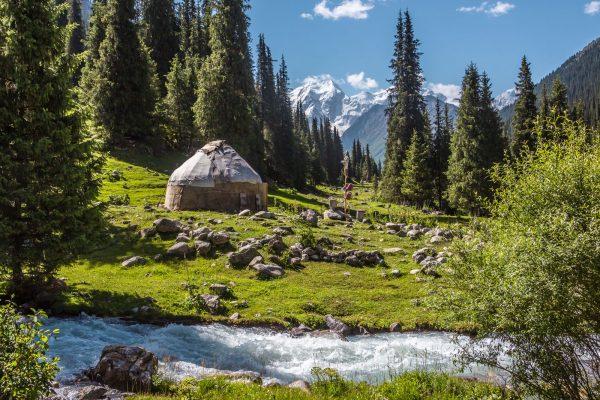 Asia,Kirguistan,paisaje,rio,yurta,iS